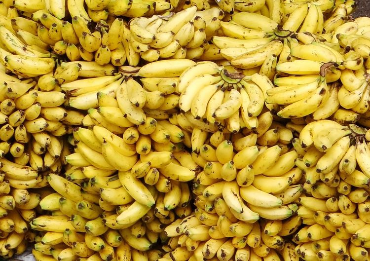 BANANAS Abundance Of Fruits Nutritious Food Fruits Plenty Healthy Eating Healthyfood Bananas Backgrounds Yellow Full Frame Close-up Raw Food Healthy Food Raw