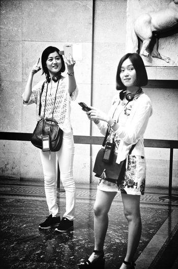 Summer Girls Streetphotos Girls At The Museum Taking Photos Of People Taking Photos Blackandwhite Fashion Forever