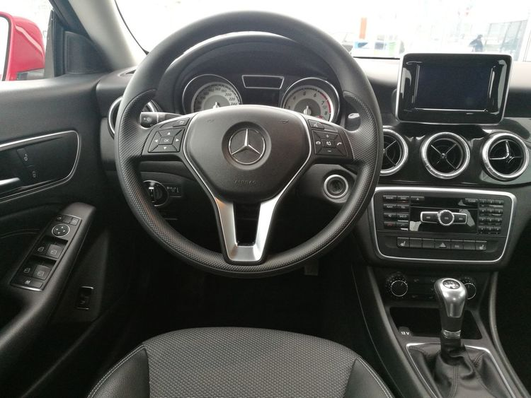 Mercedes Mercedes-Benz Car Cla