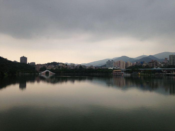 大湖公園 Lake View Lake Weekend Walking Around Relaxing Weekend Getaway Dahu Park Now That's Life