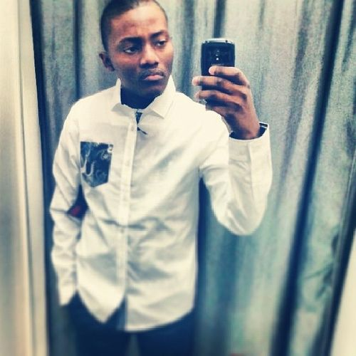 Trying out for this selfie business. Don't judge me Mirrorphotos Fittingroomswag Handsomenyana