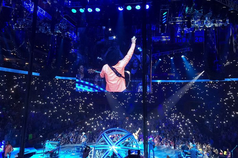 "Garth asked us to ""light them up"". Garth Brooks World Tour. Knoxville, TN. 2015.5.30 Concert Garthbrooks GarthinKnoxville"