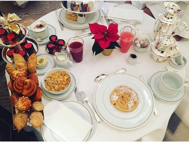 Breakfast 🥞 Plaza Athénée 🇫🇷 Street : Montaigne 🇫🇷❤️😳😍 Table Plate High Angle View Food Food And Drink Variation No People Directly Above Drinking Glass Drink Indoors  Ready-to-eat Breakfast Sweet Food Day Flower Wineglass Freshness Avenue Montaigne  First Eyeem Photo Secondeyeemphoto Hello World Paris ❤