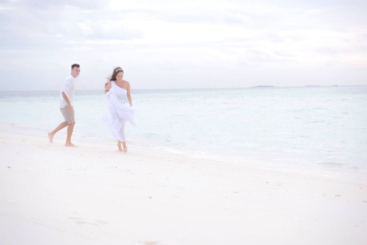 Wedding in Maldives White Wedding Couple Nature Photography Island Wedding Sun Maldives Resorts Maldives EyeEm Selects Sea Beach Water Land Sky Horizon Over Water Scenics - Nature Horizon Beauty In Nature Love Two People Sand