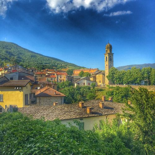 Nature holds answers to questions we have not yet learned to ask - Colour Of Life Check This Out Relaxing Taking Photos Enjoying Life Italy Bardi Summer Landscape Mountains Village