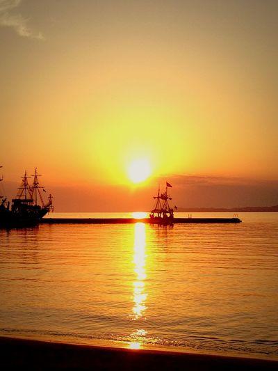 Sun goes down Summer ☀ Ocean Sunset Sun Sun Goes Down Beach Türkiye Ship Avsallar Turkey