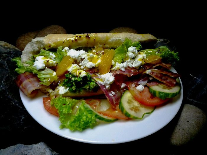 Baquette Goatcheese Bacon Toasted Sandwich Grilled Mango Honey Mustard Dressing