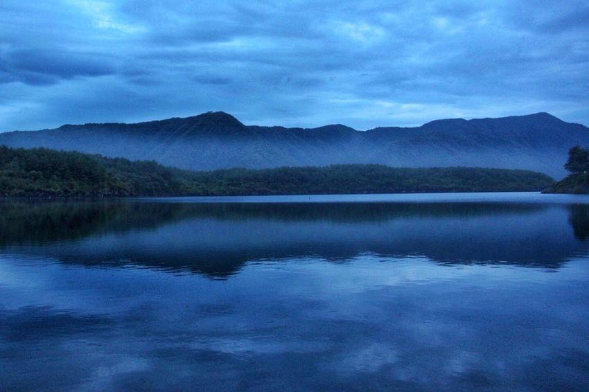 Morning Dawn Lake Mountain Lake Water Reflections Landscape Scene Photography Nature Dedicate To @intreccio ISOPIX EyeEm Water Shots