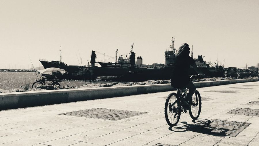 Seaside Blackandwhite EyeEm Best Shots Girl Cycling Day Headwear Bicycle Men Helmet Beach Occupation Riding Cycling City Silhouette Biker Bicycle Lane Parking Bicycle Rack Pedal Pure Bmx Cycling