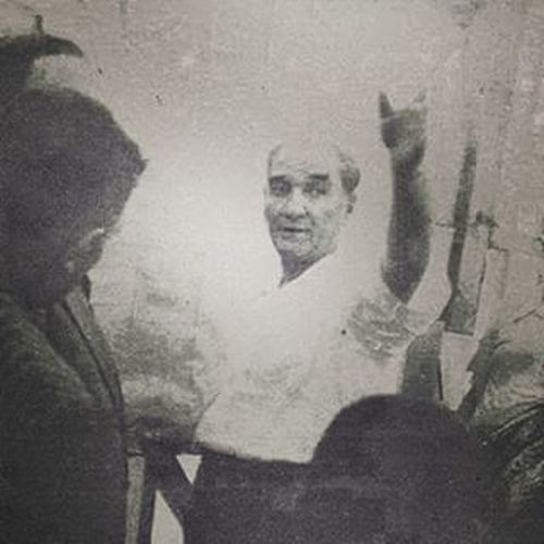 Arap puta taparken Türk göğe bakıyordu 卍 NeMutluTurkumDiyene Tengribizmenen Bozkurt Atatürk