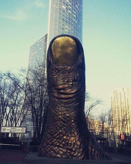 ArtWork BASED at Ladefense Paris Lepouce de Cesar Sculpture Sculptor Awesome CBD Skyscraper