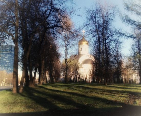 Russian landscape Walking Around Moscow Church Orthodox Church Christianity City Landscape City View  Church Plant No People Day Built Structure Land Outdoors Green Color Field Park Tower Travel Destinations Sunlight Tranquility