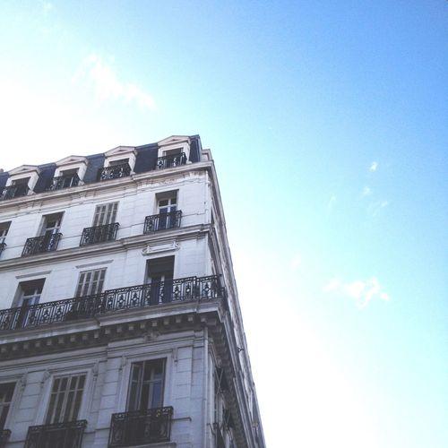 Le beau ciel de Marseille Marseille Ciel Sky Appartement Blue SunImmeublesmann] immeuble