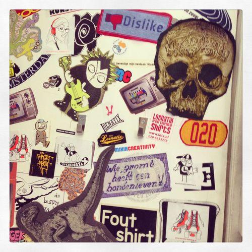 Shop printing t-shirts