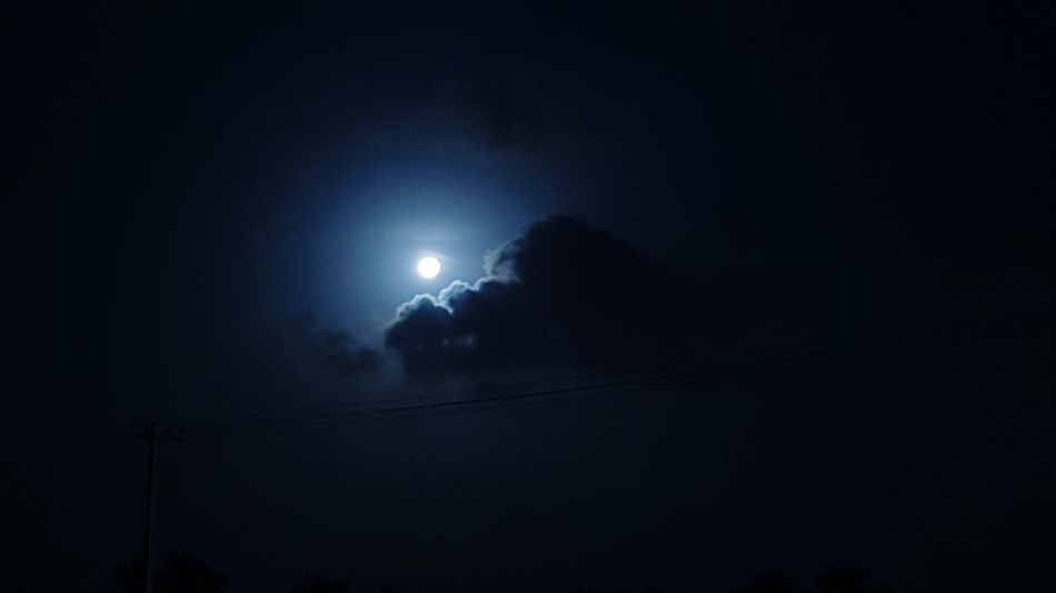 Clouds and the Moon! Mobilephotography Moonlight Moonlit Night Fullmoon Clouds Galaxys7