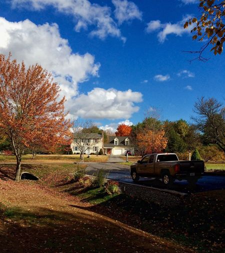Autumn EyeEmNewHere Street Nature Sky Neighborhood Fall Beauty Leaves Rural Scene Rural Truck Autumn colors Autumn Day