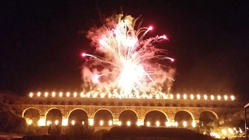 Pont Du Gard Feux D'artifices Feux D'artifice Nuit Nuits Féeries Féérie Lumières Lumière De La Nuit Lumières De Nuit Sud Sud De La France