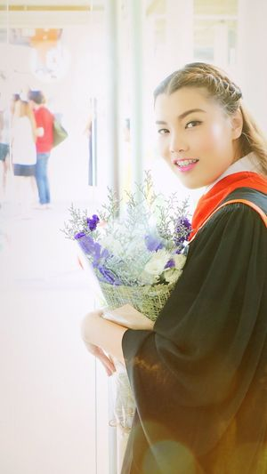 Showcase April Congratulation my sis🎓🎉🇹🇭 Studying Learning Bangkok Thailand Photographer Sony A5000 Thailand_allshots Thai Proud Class Graduation Love