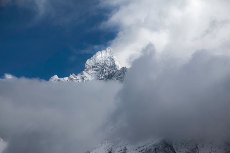 https://youtu.be/cfZhQT9f55I RE-Post for the mission Stay out...cloudy summit of Ama Dablam Ama Dablam Himalayas Cloud - Sky Beauty In Nature Sky Mountain Tranquility Scenics - Nature Stay Out Winter Tranquil Scene Cold Temperature Non-urban Scene Low Angle View Snowcapped Mountain Landscape Nature My Best Photo My Best Photo The Great Outdoors - 2019 EyeEm Awards