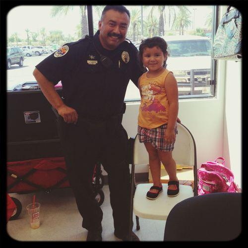 mi amigo policia dise Roselyn !!!! =)