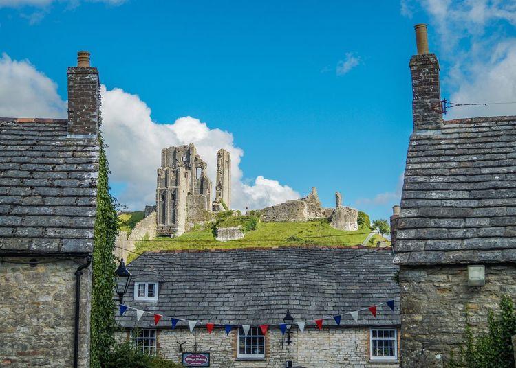 Corfe castle against sky