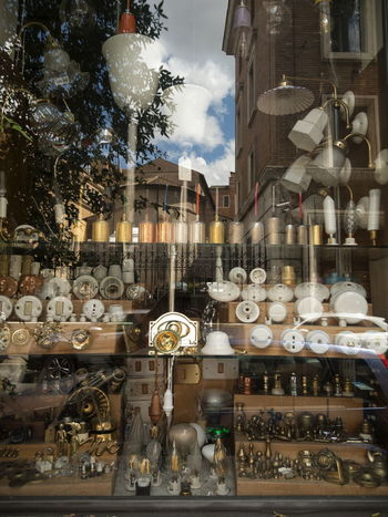 Riflessi in vetrina Moving Around Rome Building Exterior Day Large Group Of Objects No People Outdoors Retail  Store Variation