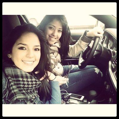 Womans Driving Car Dodge selfie chinchi n