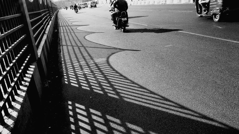 The City Light Sunlight Day Shadow Outdoors India Lucknow Geometric Shape Public Places Curved Road Travel Destinations Nawaboflucknow Road The Street Photographer - 2017 EyeEm Awards The Street Photographer - 2017 EyeEm Awards