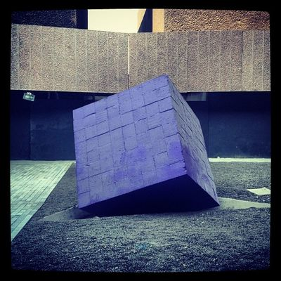 Cayo del cielo #cubo #art #landmark #cineteca #igers #igersdf #igersmexico #df #coyoacan #mexico #méxico #mexingers #mextagram #compartetuimagen #cine #arte #art #travel Mextagram Igers Abstract Geometric Art 30likes Blue 80likes Travel 60likes Movies 70likes Mexico Igersmexico Culture Igersdf Ciné Mexingers Landmark Compartetuimagen Arte Cineteca Coyoacán Allshots Cubo Df