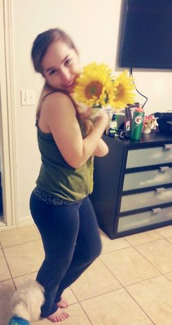Guero bought me sunflowers♥♡♥