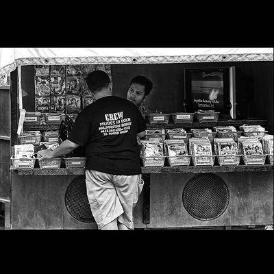 Just a simply Streetphoto_bw with this hastag Streetphotography Streetphotographers StreetLife_Award Blackandwhitephoto Bw_indonesia Artphoto_bw Bnw_globe Bnw_worldwide Bestshooter_bw Monochrome in Dailylife at Wonderfulkepri  , and come on let's we Explorekepri on Pesonaindonesia and this spot always in IndonesiaOnly . this photo is dedicated by my lovely Terfujilah Fujifilm_xseries Fujifilmxe1 and Gofujifilm . i become a FujiGuysID and Xphotographer too. And also let's follower of Kompasnusantara Pewartafotoindonesia 1000kata Serikat_FI fujifilm_id showofffujifilm FujiFeed can get a inspiration benefit on my photos.