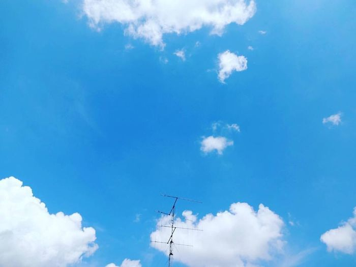 Why do you stare at the sky with your blurry eyes? ☁☁☁ 😮 Cloud - Sky Sonyphotography Qx10 Blurryeyes Larcenciel