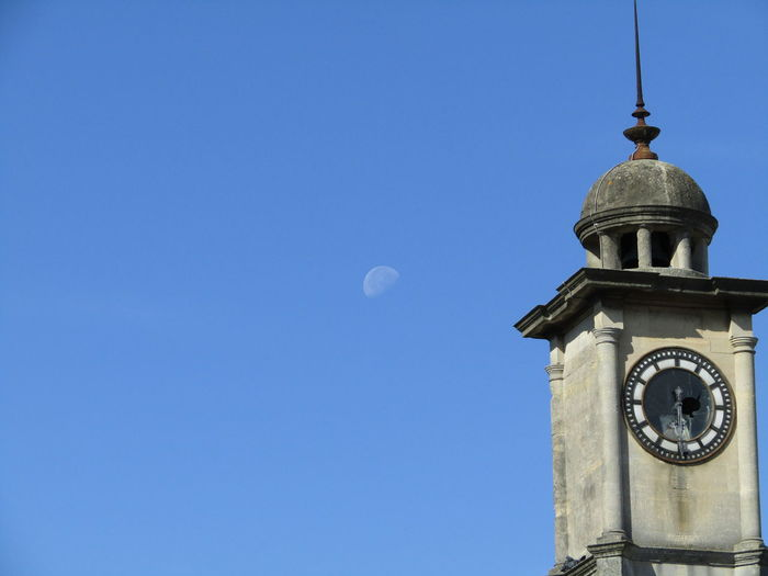 Lunar Photography Nature Relaxing Taking Photos Clock Tower Old Building  The Moon To Day