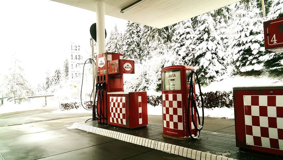 vintage / retro gas station from the 60ies Gasoline Gas Station Fuel Pump Retro Car Retro Style Vintage Car Gasolinestation Gasoline Pump Gasoline Station 60ies 50ies 50ies Architecture 50ies Cars Rocknroll Checkered Pattern Checkered Floor Blackforest Germany Kniebis Text Day Outdoors
