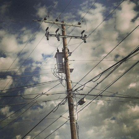 Poste Transformador Energía Electricidad nubes cielo clouds azul blue Hermosillo Sonora