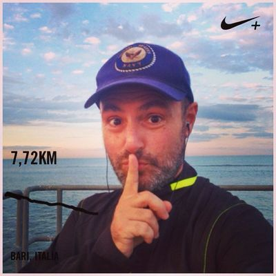 Be quiet! Be quiet! And hear the triumph of the soul. This is precisely the problem, too much noise that no longer hear the sound of ourselves. Nikeplus Run Runner Afterunning Iliveinamovie Paolograssi Dynadog
