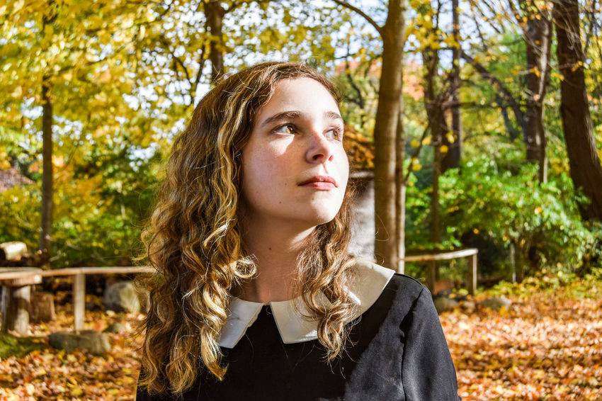 Contemplation One Person Tree Long Hair Headshot Day Dreaming Portrait Young Women Outdoors Nature Connection Sensory Perception Human Face Autumn Finding New Frontiers Uniqueness Women Around The World Long Goodbye Break The Mold The Portraitist - 2017 EyeEm Awards BYOPaper! Place Of Heart