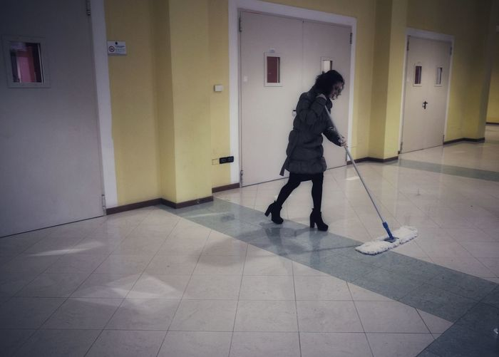 Cleaning Housekeeping Housework Broom Clean Cleaning Floor Mopping Möp One Person Slippery Sweep Sweeping