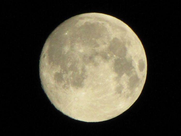 Luna Moon Milky Milkyway Light Evening Night Lunar Fullmoon Hyperluna Redmoon Giantmoon Twilight Full Moon Milky Way Red Moon Lunapark Hyper Luna Giant Moon Luna Park Crater Craters Moon Craters Luna Craters Learn & Shoot: Simplicity