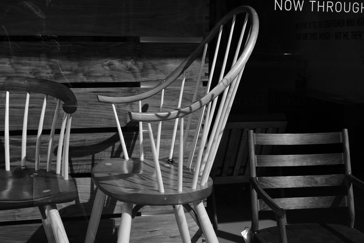 display Blackandwhite Chair Day Decor Diminishing Perspective Discover Your City Interior Newyorkcity No People Outdoors Seat Street Table