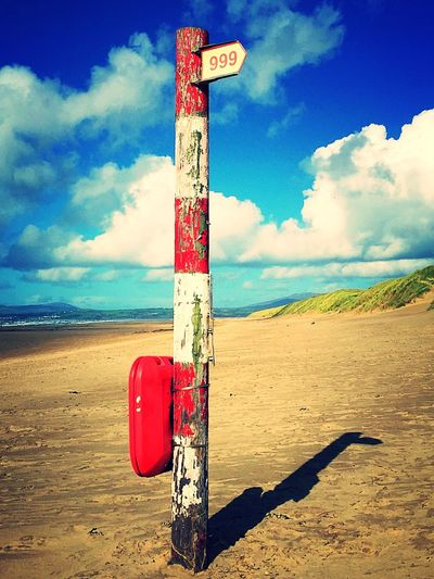 Harlech Beach Harlech Wales❤ Wales UK Walesonline Information Sign Shore Gwynedd Wooden Post Pole 999 Sos Red And White Beach Photography Beach View Beach Life Emergency Emergency Services Emergency Equipment Signpost Arrow Sign EyeEm Gallery EyeEm EyeEm Best Shots EyeEm Best Shots - Landscape
