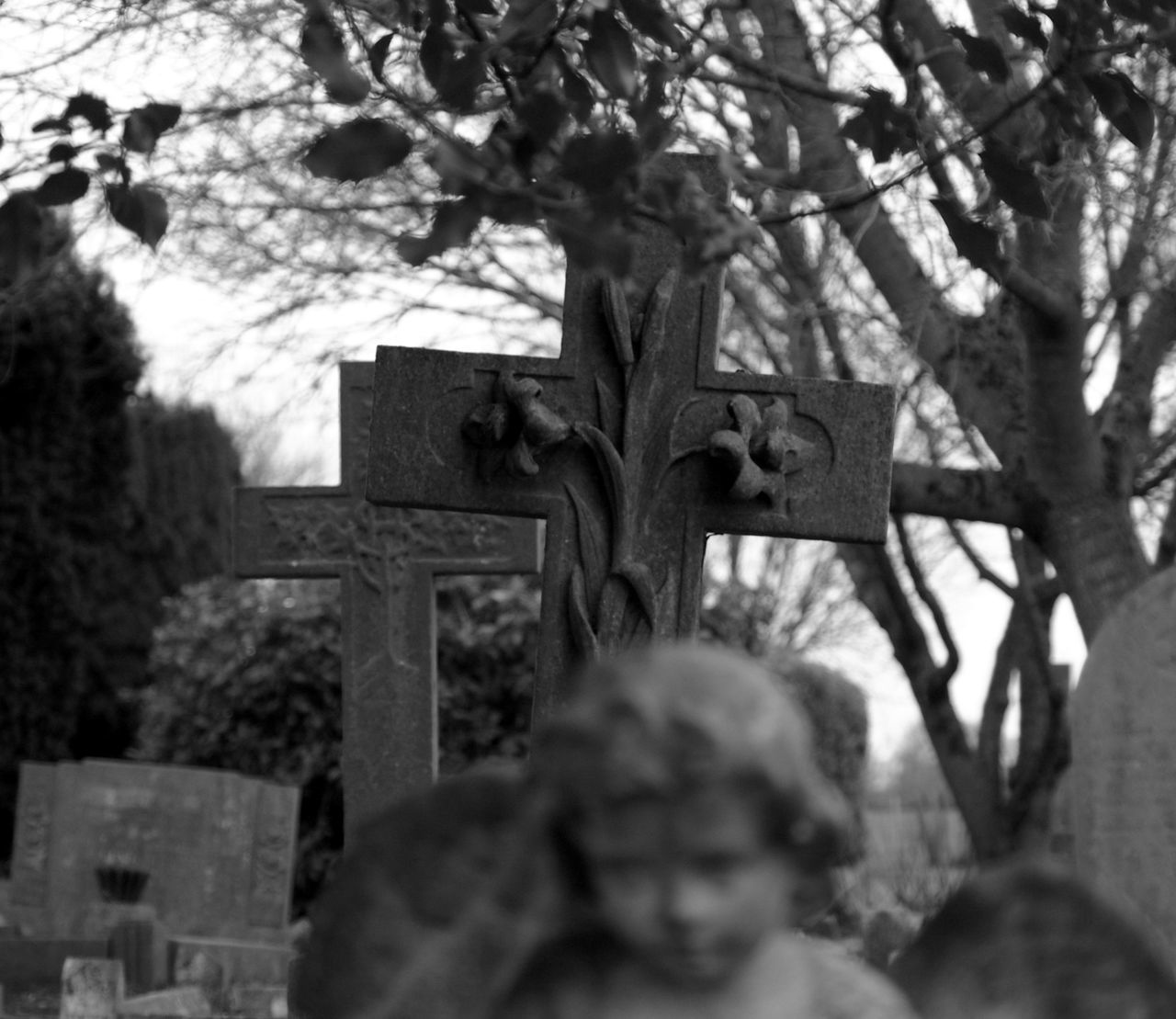 cemetery, tombstone, memorial, graveyard, sadness, tree, cross, gravestone, day, grave, outdoors, spirituality, no people, close-up