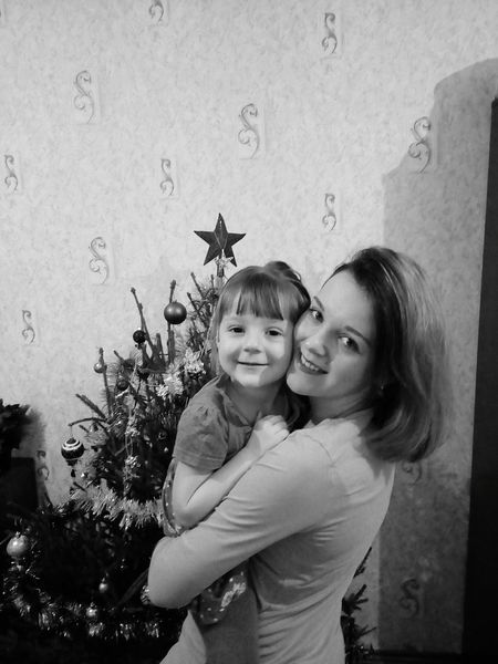 Cristmas Time♥ рождество семья Smiling мама дочка Two People Bonding Looking At Camera Childhood Girls Portrait Togetherness Real People Lifestyles Happiness Day Indoors  Close-up People Adult Family