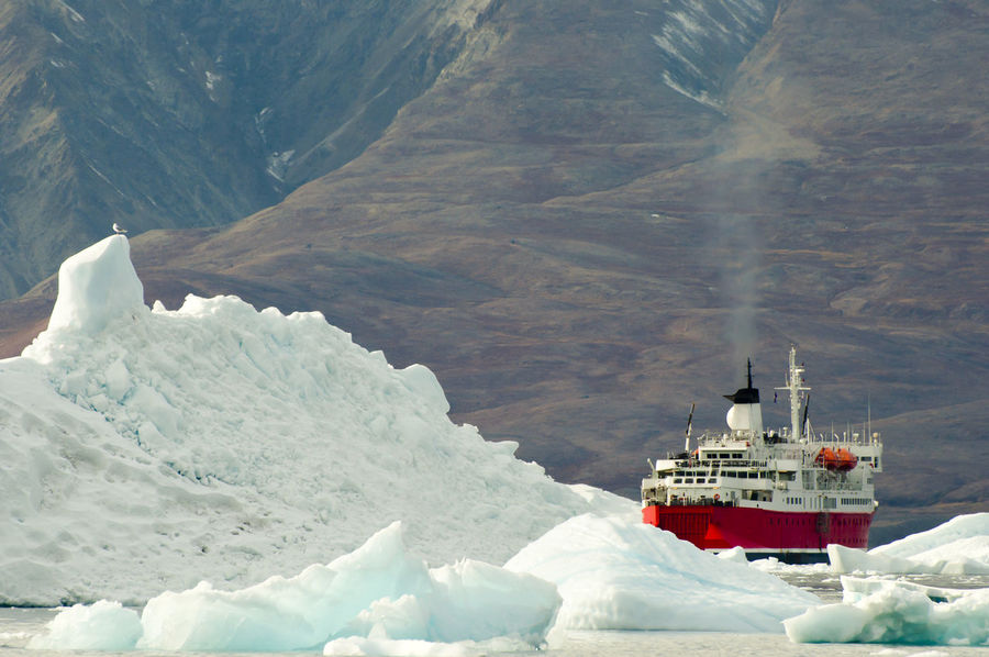 Expedition Ship Expedition Ship Greenland Ice Breaker Spitsbergen Arctic Iceberg Polar Climate Scoresby Sound Ship Svalbard