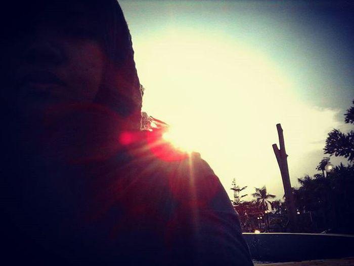 Senjaku Anakikutikutan Fotograferjomblo Anaksoksibuk Senja  JJS Love Matahari Taman