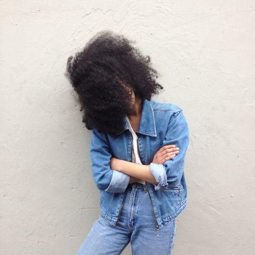 Natural Hair Curly Hair Model Fashion Gorgeous Aesthetics Street Fashion Urban Fashion High Waisted Jeans Jean Jacket
