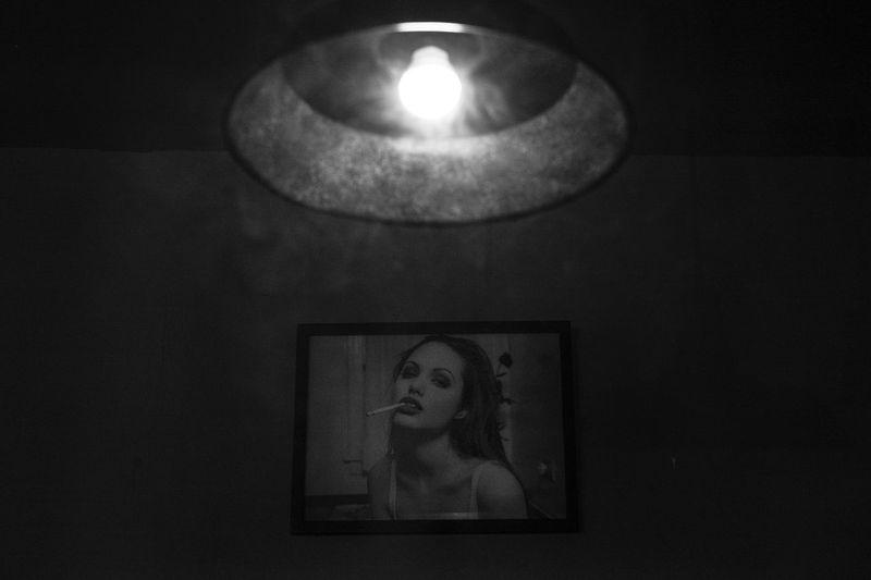 Art Blackandwhite Ciggarette Dark Decor Fine Art Photography Glowing Illuminated Lamp Light Lit Monochrome Picture Smoke 西安 Showcase July
