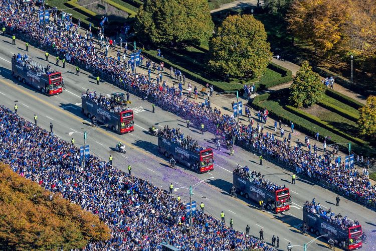 High Angle View Crowd Large Group Of People Group Of People Plant Transportation Real People Tree Architecture Mode Of Transportation Land Vehicle City Motor Vehicle Car Outdoors Nature Day Street Road Spectator