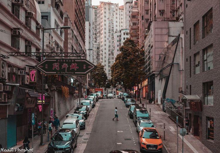 #walkingdownthestreet . . . . . . . . . #hsdailyfeature #streetmeetina #urbanandstreet #symmetricalmonsters #streetmobs #seemycity #uncalculated #guardiancities #yngkillers #1stinstinct #meistershots #streetframe #citykillerz #streets_vision #streetactivity #tonekillers #hkig #igershk #discoverhongkong #explorehongkong #hongkonger #sonyimages #sonyalpha #sonyalphasclub #focalmarked #reframinghk #a7iii #sel35f28z #sonyhongkong Zeiss35mm Headphoshot Hk HongKong Streetphotography Street Sony First Eyeem Photo EyeEmNewHere Autumn Mood