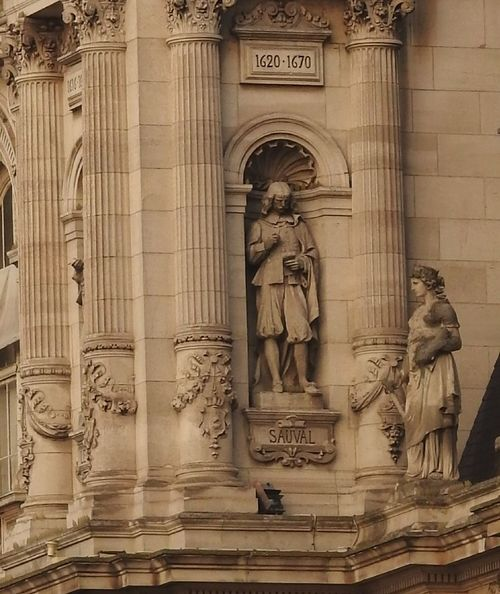Hotel Deville, Paris City Astrology Sign Sculpture Statue History Bas Relief Ancient Civilization Ancient Architecture Close-up